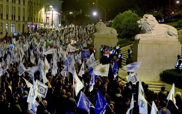 Πορτογαλία: Χιλιάδες αστυνομικοί στους δρόμους κατά των μέτρων λιτότητας