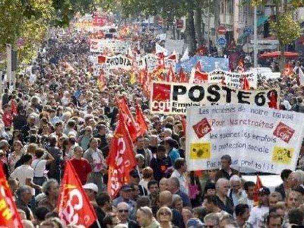 Χιλιάδες πολίτες συμμετείχαν σε κινητοποιήσεις εναντίον της πολιτικής λιτότητας στη Λισαβόνα, στο Πόρτο και άλλες πόλεις