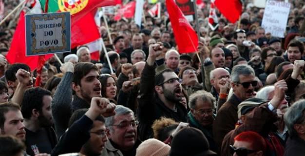 Πορτογαλία: Χιλιάδες Πορτογάλοι διαδήλωσαν κατά του νέου προϋπολογισμού λιτότητας