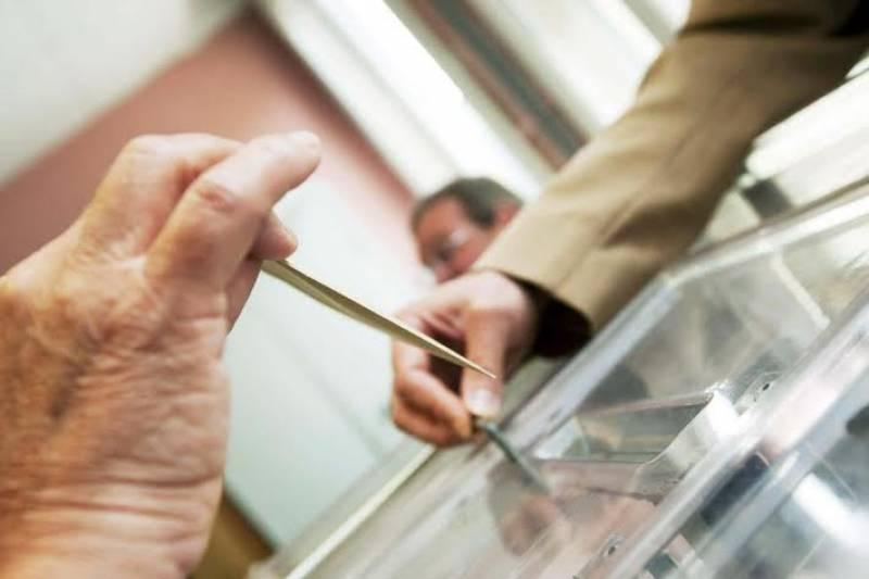 «Δώρο» μέχρι και 350 ευρώ σε οικογένειες για την ψήφο τους