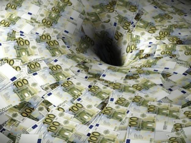 «Πρωταθλήτρια» στο χρέος η Ελλάδα