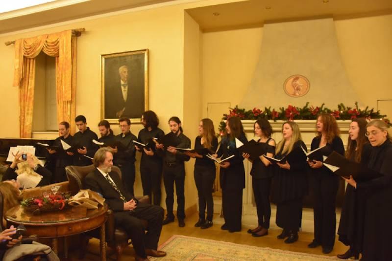 Το Ίδρυμα Ελληνισμού Εύχεται σε όλους Καλά Χριστούγεννα