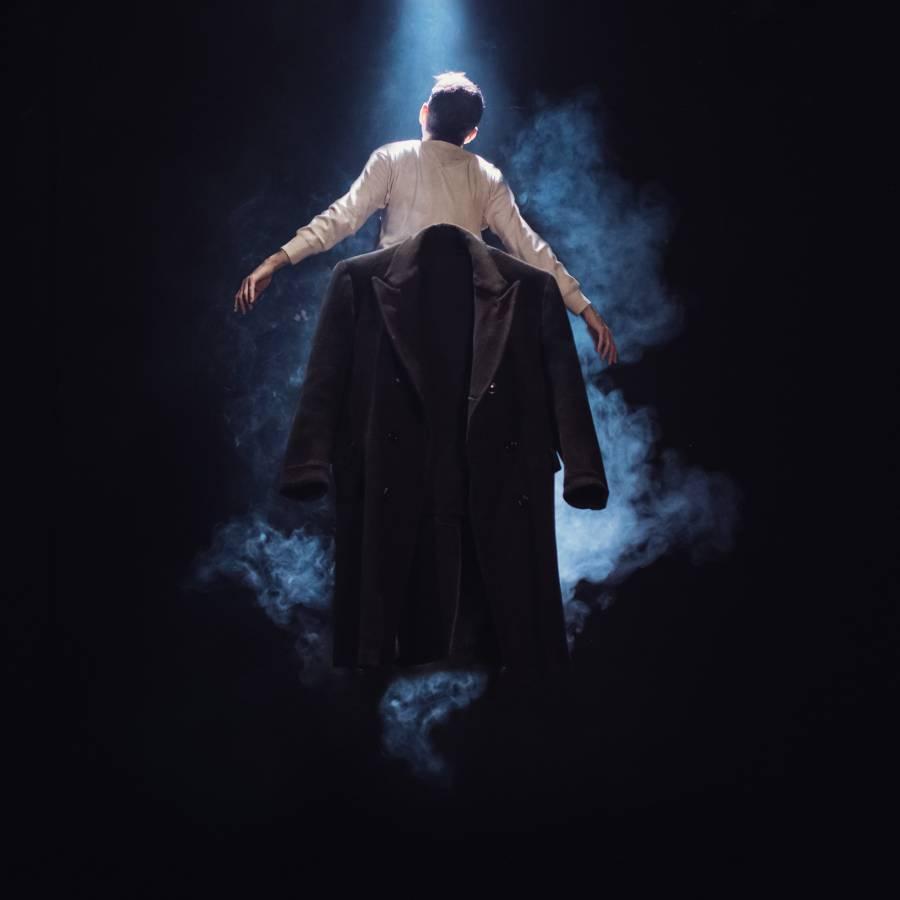 Το Παλτό» του Νικολάι Βασίλιεβιτς Γκόγκολ στο θέατρο ΑΡΓΩ - ERT Open 5844fd169fd